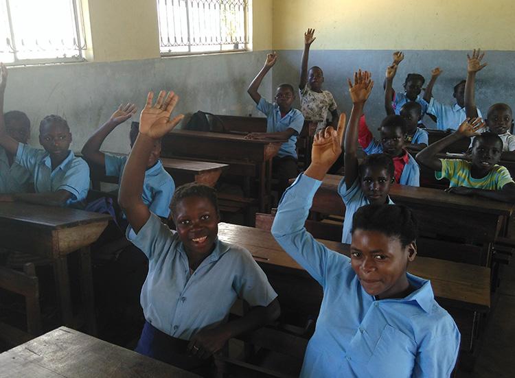 Vilanculos Bazaruto kululeku volunteers Mozambique kids